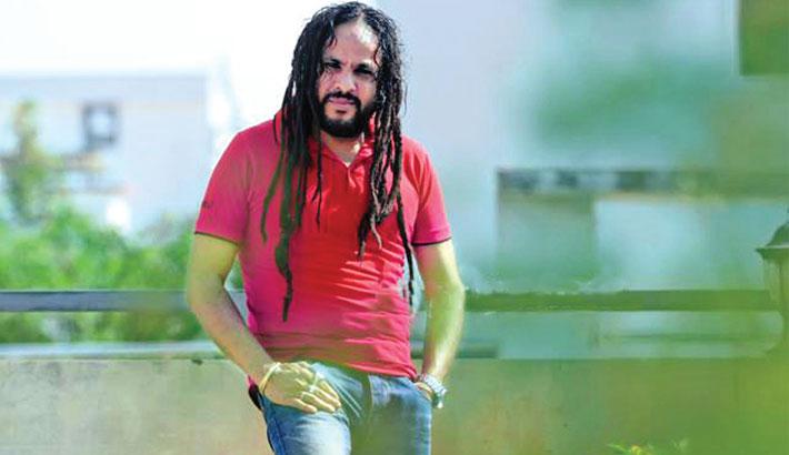 Pothik Nobi back  to singing after a 13-year hiatus