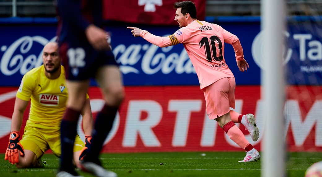 Messi scores twice but Barcelona held