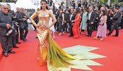 Aishwarya looks gorgeous in fish-cut gown at Cannes Festival
