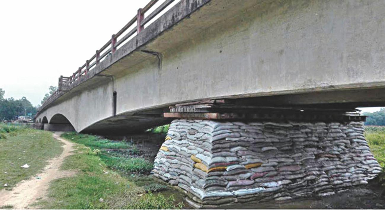 Vehicles stranded for hours as bridge breaks down in Cox's Bazar