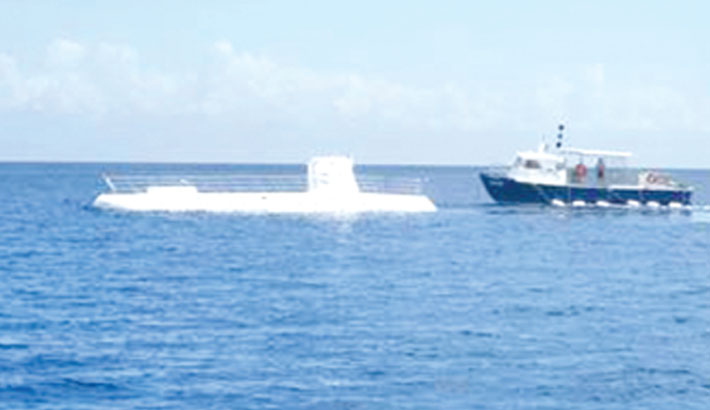 'ScUber' launches submarine trips to Great Barrier Reef