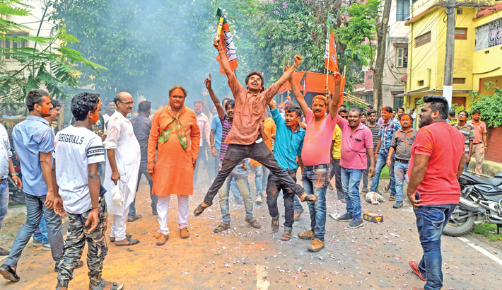 TMC, BJP in a neck-and-neck fight in West Bengal