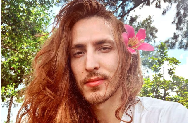 'Male Rapunzel' grew his hair to 2 ft