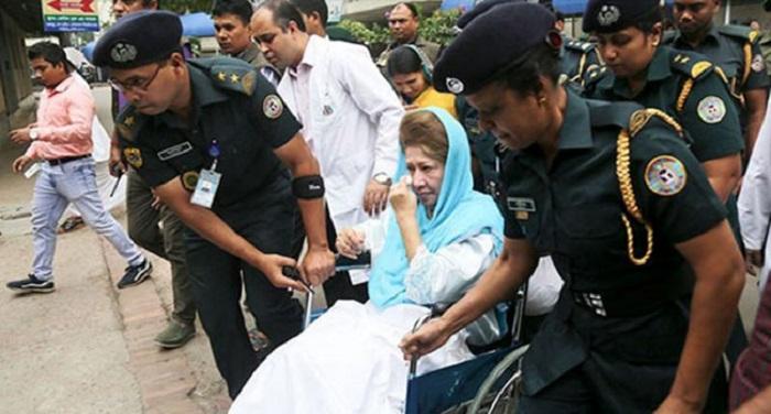 Khaleda Zia is 'critically ill': Fakhrul
