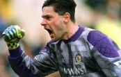 Ex-Manchester goalkeeper takes charge of Bangladesh