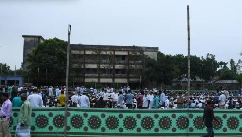 Mayor arranges Iftar for 10,000 people, serves twenty items