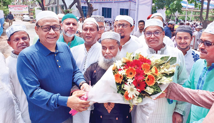 Bashundhara  Chairman opens   new mosque