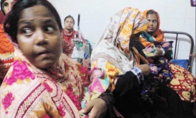 Woman gives birth to four children in Natore