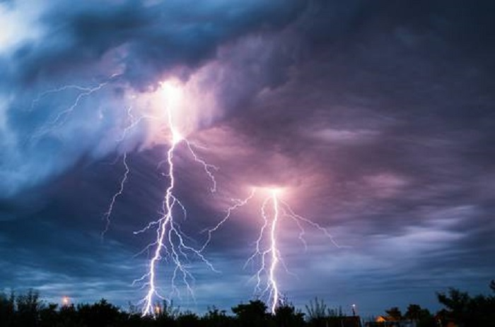 One killed in Natore lightning strike