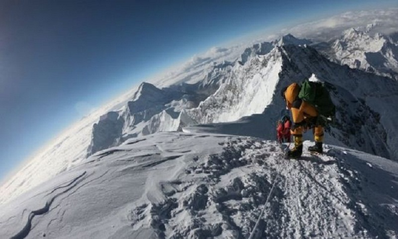 Everest: British man among latest mountain deaths
