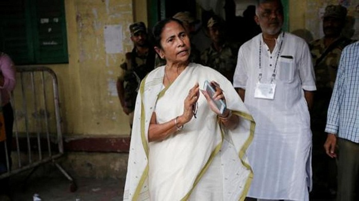 After saffron surge, Mamata Banerjee calls for emergency meeting