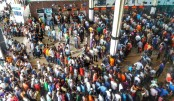 Mad rush at Kamalapur Railway Station to collect advance tickets