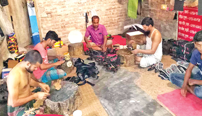 Kaluhati shoe makers passing busy days ahead of Eid