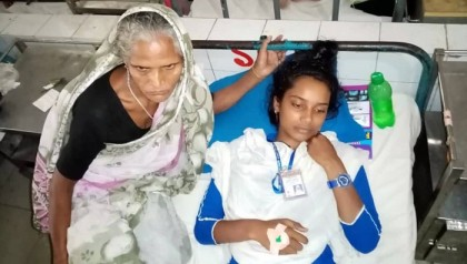 Narail schoolgirl beaten with hammer for refusing love proposal