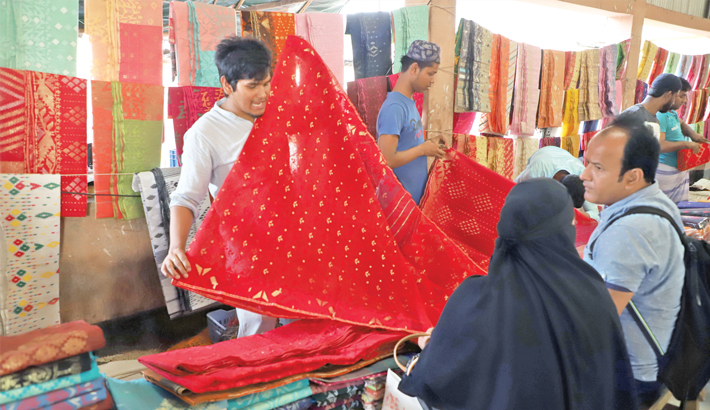 Jamdani makers go into Eid overdrive