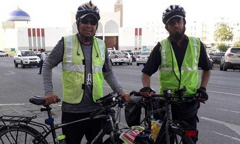 Two Indian men reach UAE on cycles