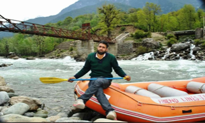 Tourist guide drowns after saving 5 lives from river in J&K