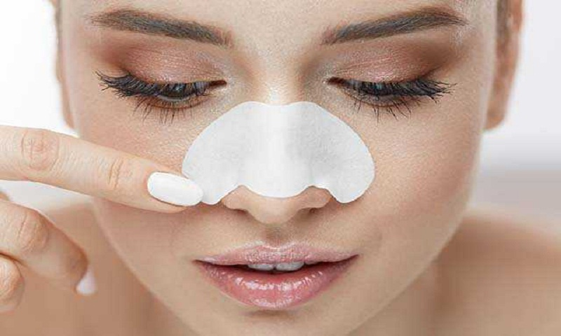 Keep your skin clear and blackhead-free with these home remedies