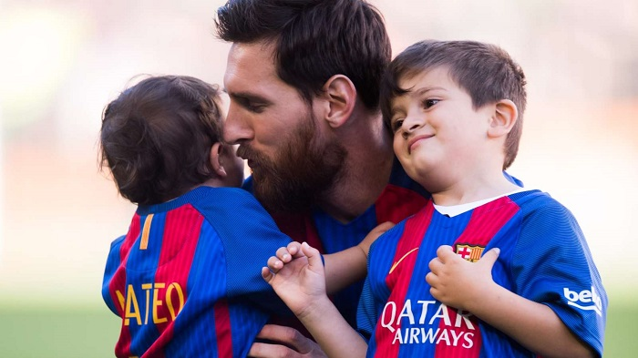 Children help Messi to overcome the pain of defeat