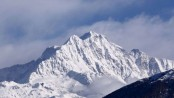 Bodies spotted in hunt for missing climbers