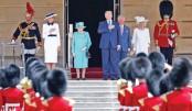 Trump in London, meets queen