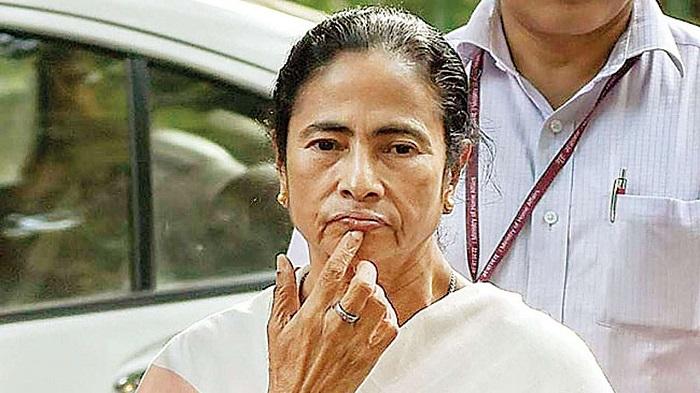 Mamata criticised for duplicating Joy Bangla slogan by CPM leader