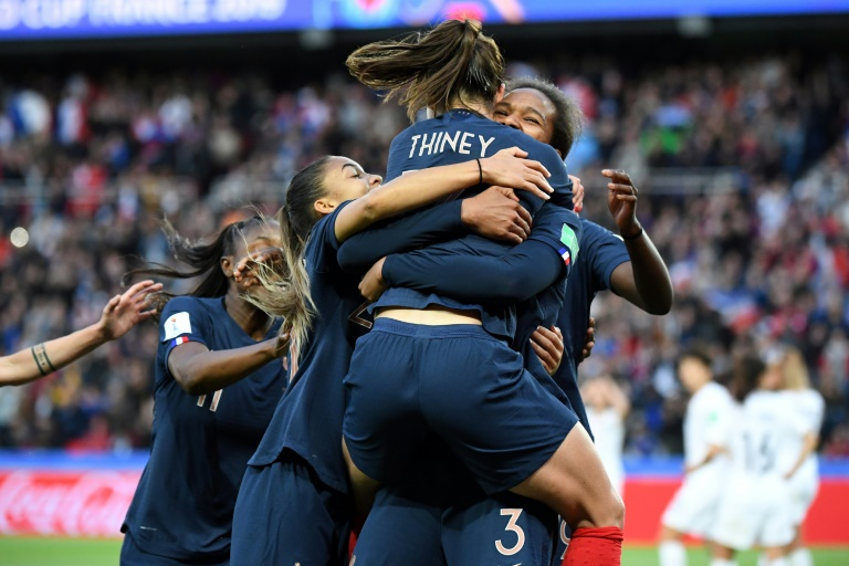 Hosts France enjoy winning start as women's World Cup kicks off