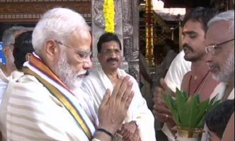 PM Modi offers prayers at Guruvayur temple in Thrissur