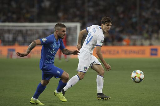 Italy beats Greece 3-0 to move 3 points clear in group