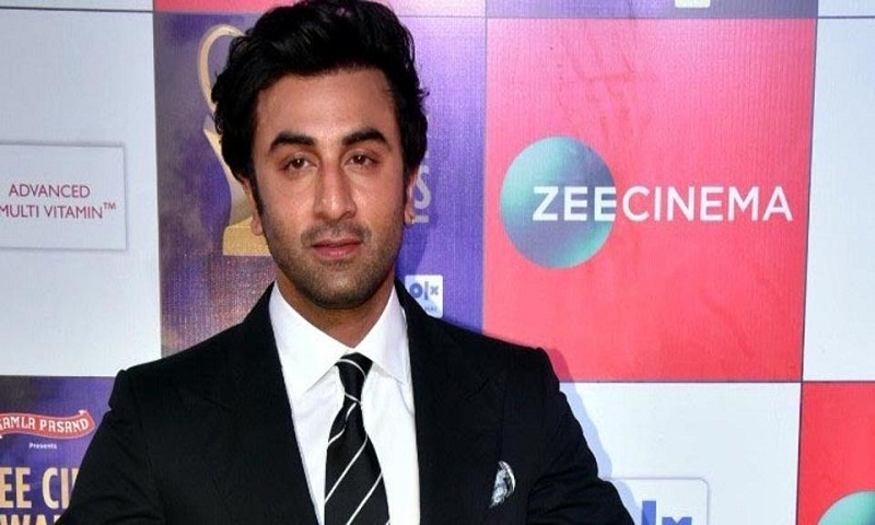 Ranbir Kapoor's fan touches his feet in Varanasi, netizens ask if actor thinks he is God