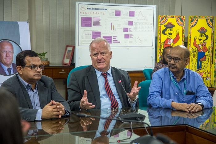 German Ambassador H.E. Peter Fahrenholtz visits IUB