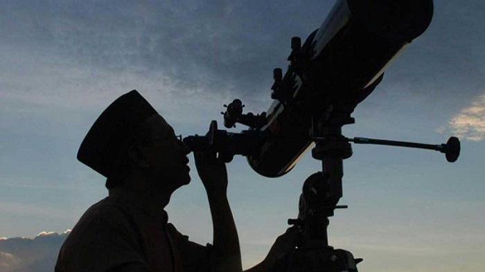 Govt to buy high tech equipment for moon sighting