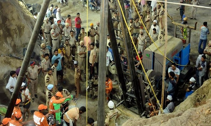 2-year-old Punjab boy, stuck for 110 hours in borewell, dies after being pulled out
