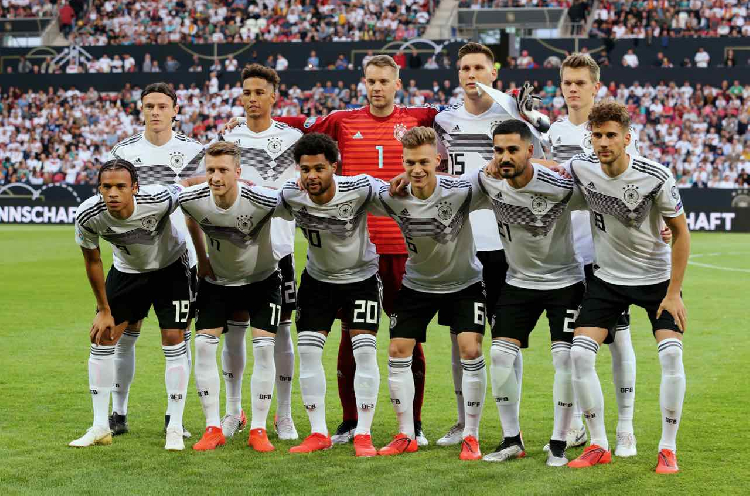 Gnabry and Reus double up as Germany crush Estonia