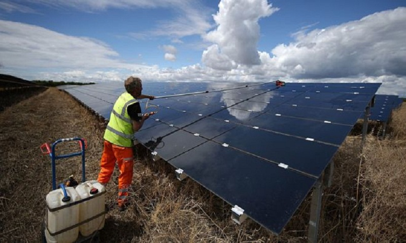 Climate change: UK government to commit to 2050 target