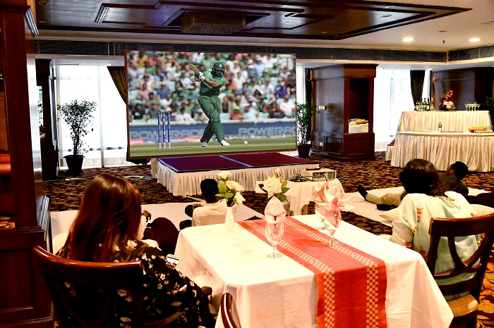 Enjoy free cricket at Hotel Sarina