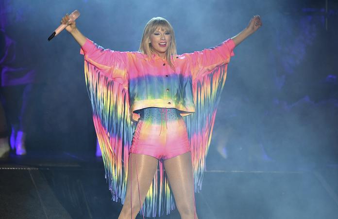 Taylor Swift announces 7th album