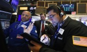 Asian shares mixed over concerns about oil tankers, trade
