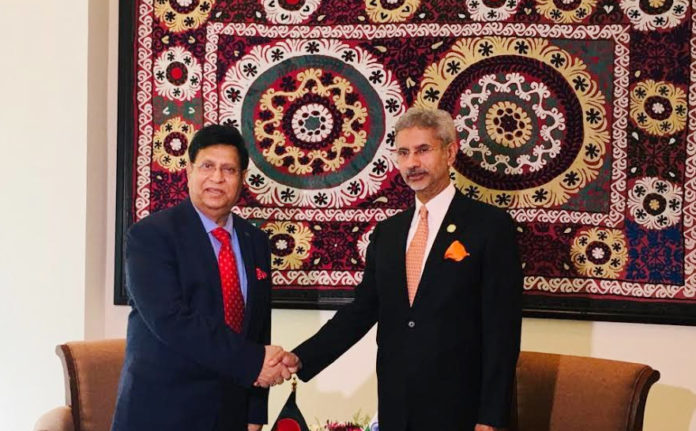 Teesta, Rohingya feature Momen's maiden talks with new Indian counterpart