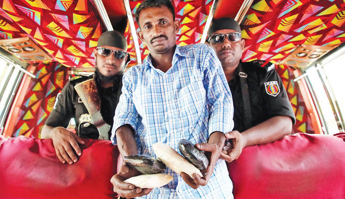Bus driver held with 10,000 yaba pills