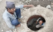 7 die of suffocation while cleaning Gujarat hotel septic tank
