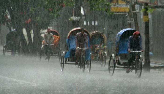 First rain of monsoon brings relief to city dwellers