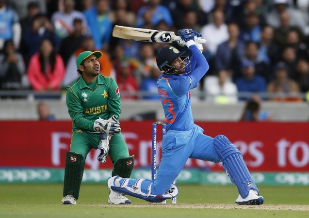 India put into bat after Pakistan win toss