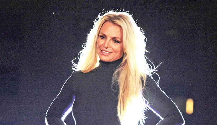 Britney's ex-manager Lutfi hit with restraining order