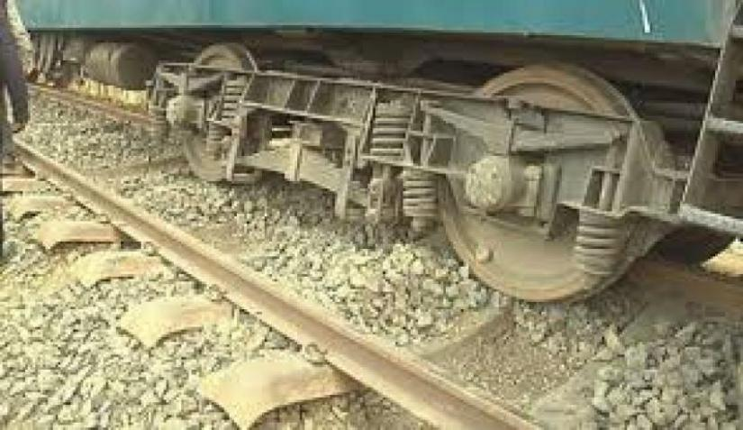 Derailment disrupts Dhaka-Mymensingh train service