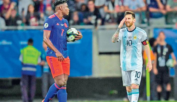 Colombia's Martinez, Zapata stun Messi's Argentina