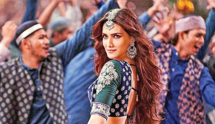 When Aamir, SRK, Salman perform special songs they are never called item numbers: Kriti