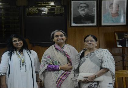 IUBAT-Pro-VC---greetes-Education-Minister