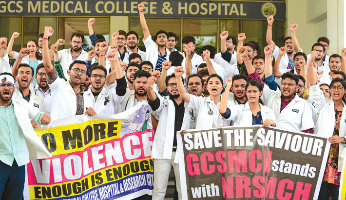 Indian docs stage nationwide strike over working conditions