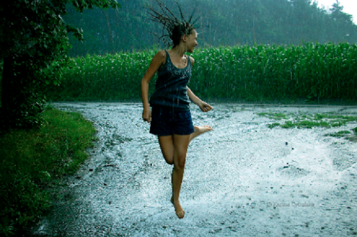 5 easy ways to not get sick in the rains
